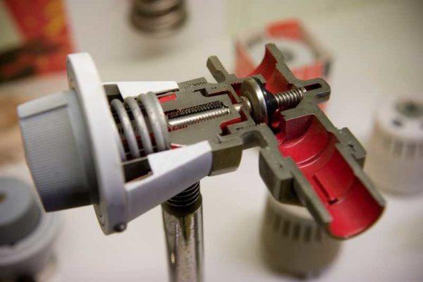 Термостатический клапан в разрезе