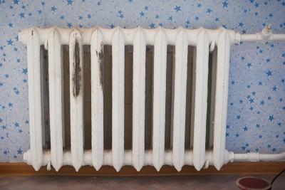 Ржавчина на чугунном радиаторе